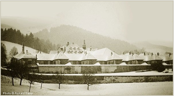 Chartreuse de la Valsainte, with the Hermitages of the Carthusian Monks, Switzerland, winter 1982. Photo © Ronald Davis