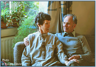 Ennie and Arie Meesters at their home in Haarlem, the Netherlands, 1979. Photo © Ronald Davis